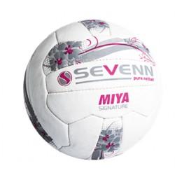 Sevenn Mia Signature Netball ball
